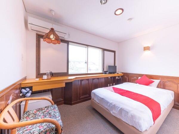 ビジネスホテルホテル三幸園、洋室